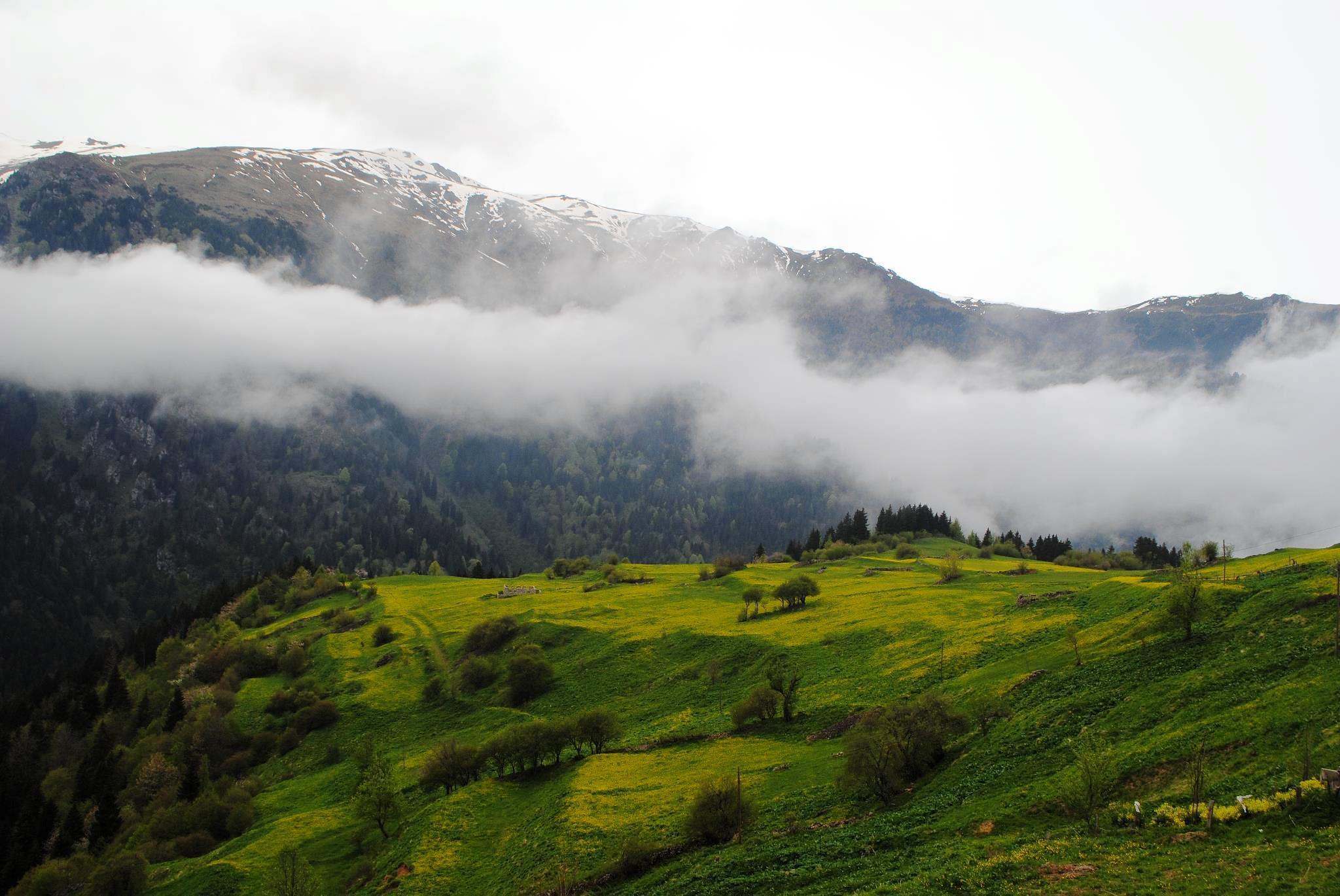 Армения в апреле